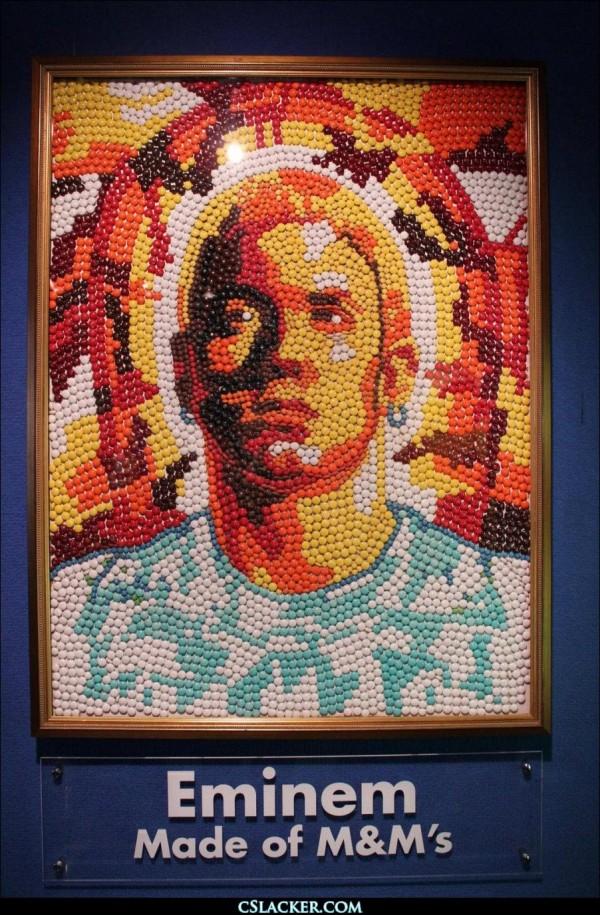 Retrato Eminem hecho con M&M's