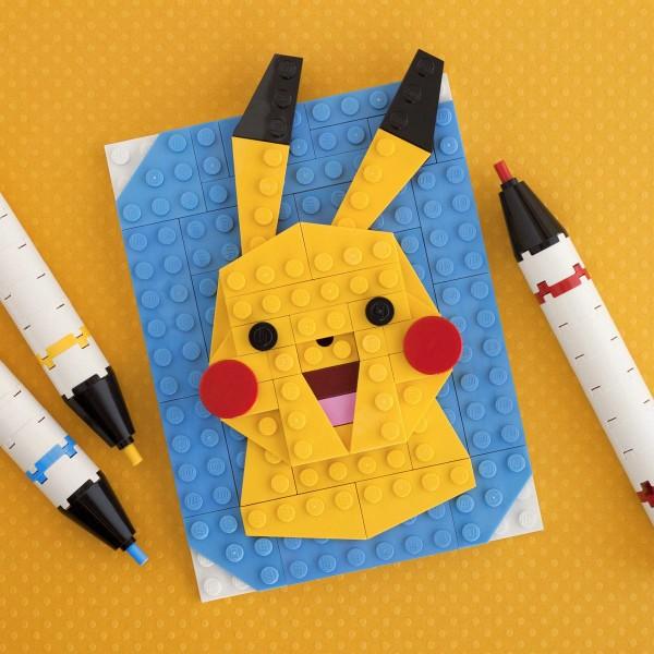 Retrato de Pikachu hecho con LEGO