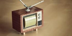 Televisión modelo años 80 realizada con LEGO