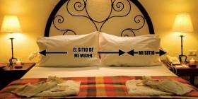 Reparto de la cama de la pareja