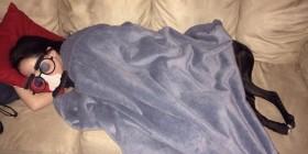 ¿Quién esta dormido en el sofá?