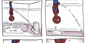 Spiderman en el baño