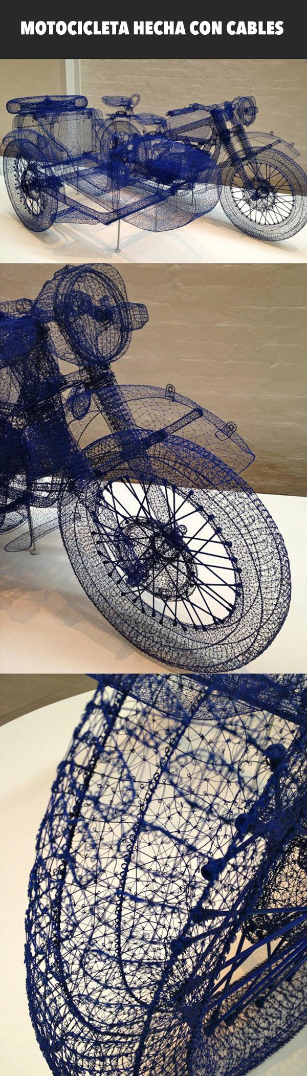 Motocicleta hecha con cables