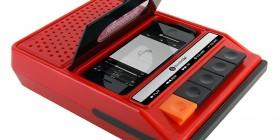 Altavoces retro para iPhone en forma de radiocasete