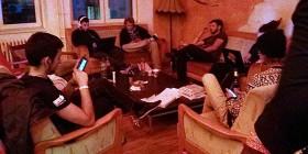 Animada reunión de amigos