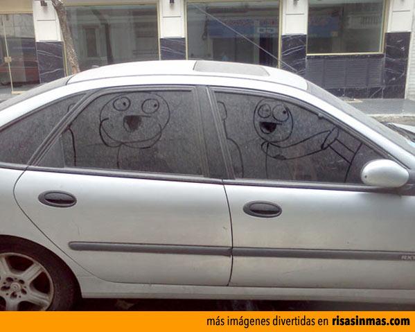 Arte en un coche sucio