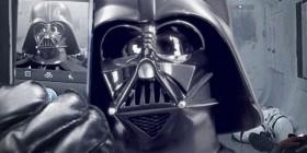 Autofoto de Darth Vader para su Facebook
