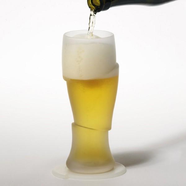 Vaso de cerveza cortado por un samurai