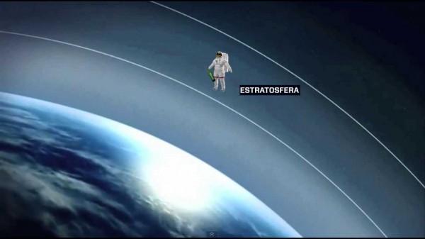 Un asturiano escancia sidra desde la estratosfera