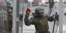 Angry Birds la nueva arma de los antidisturbios