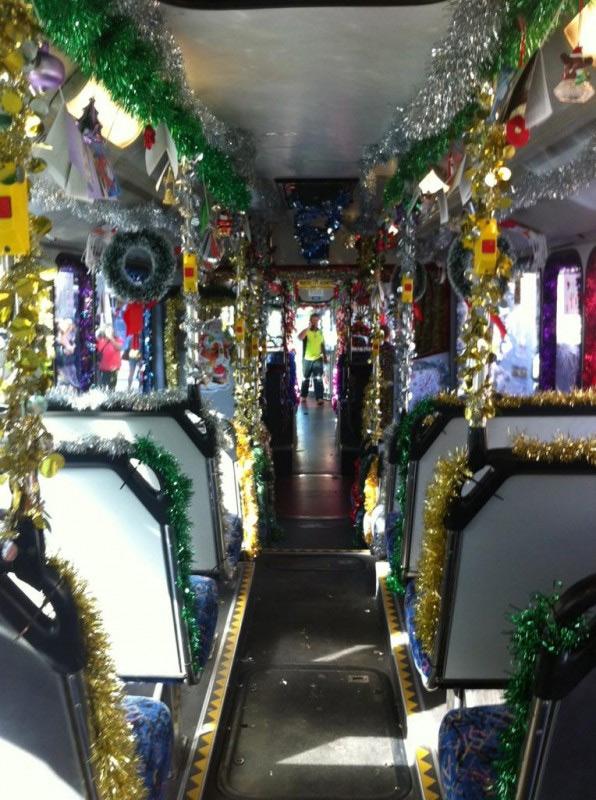 Autobus público en Sídney en Navidad