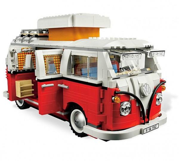 Furgoneta Volkswagen hecha con LEGO