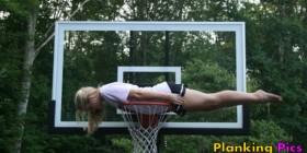Planking en una canasta