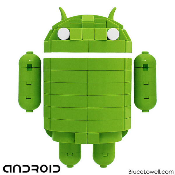 Robot Android hecho con LEGO