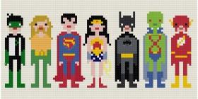 Superhéroes en punto de cruz