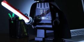 Lámpara Darth Vader de LEGO