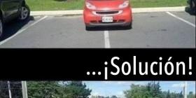 Coche mal aparcado