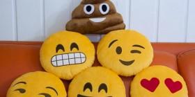 Cojines de los emoticones de WhatsApp