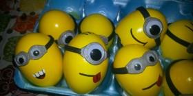 Huevos decorados como Minions