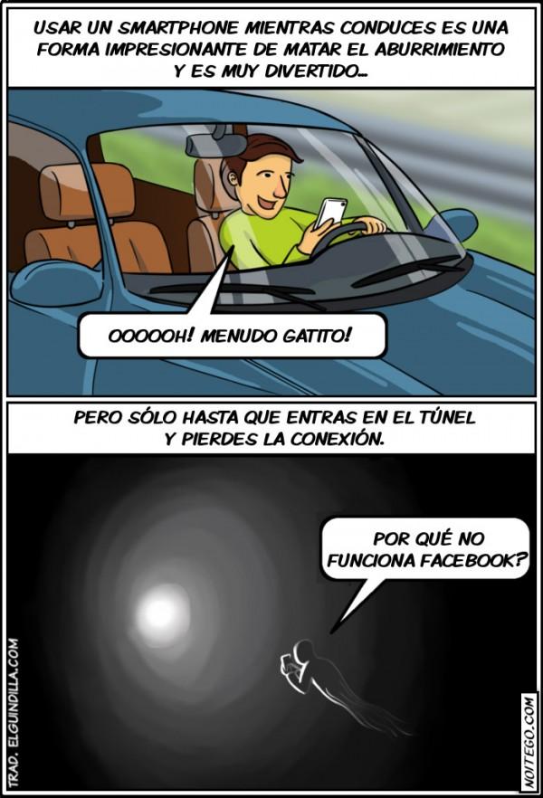 Usando smartphone mientras conduces