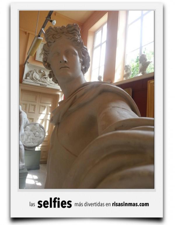 Las estatuas se hacen selfies