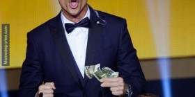 Dinero en una chaqueta