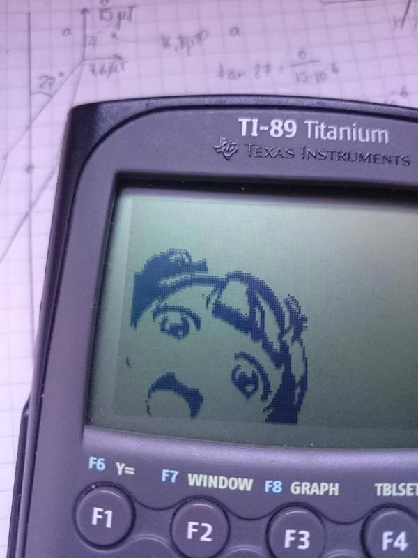 Selfie en una calculadora