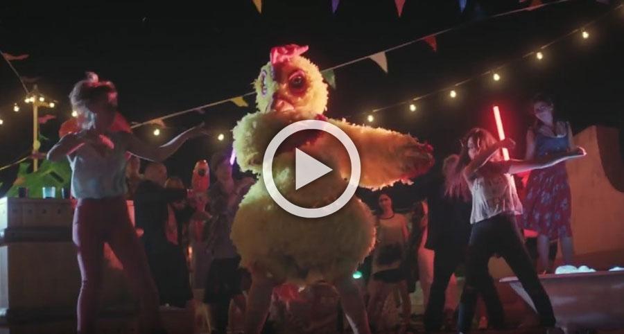 """""""EL PICA PICA"""" ft. POLLO, llega la canción (y el snack) del verano"""