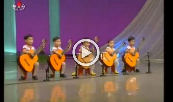 Te ríes cuando aparecen en escena con una guitarra más grande que ellos mismos. ¿Pero qué pasa después?
